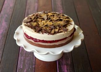 Paleo Raw Vanilla Choc Berry Layer Cake3