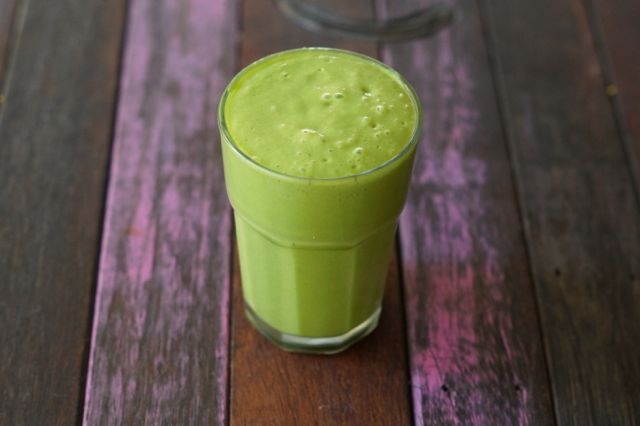 healthy tropical green smoothie