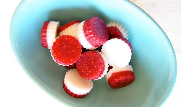 Raspberry and Cream Paleo Lollies